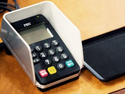 クレジットカード支払い端末 写真