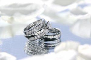 キラキラ指輪のアクセサリー写真