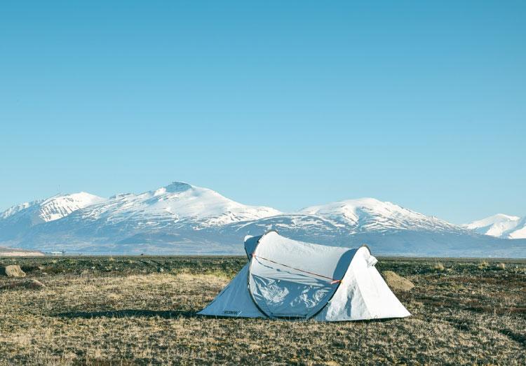 【2020年版】ソロキャンプや車中泊にも持っていきたいポータブル電源おすすめ3選!選び方もご紹介!