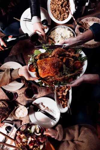 みんなでクリスマスディナーでわいわいの写真