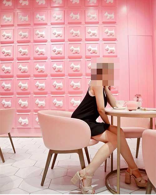 おしゃれな壁を背景にする写真