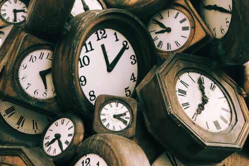 古い時計の写真