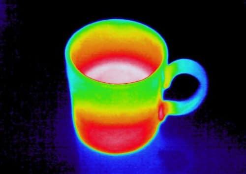 マグカップのサーモグラフィ画像
