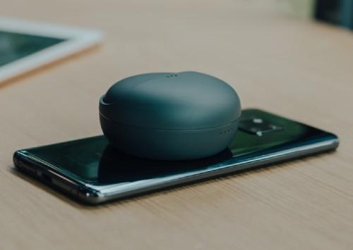 Androidとワイヤレスイヤホンを接続のイメージ