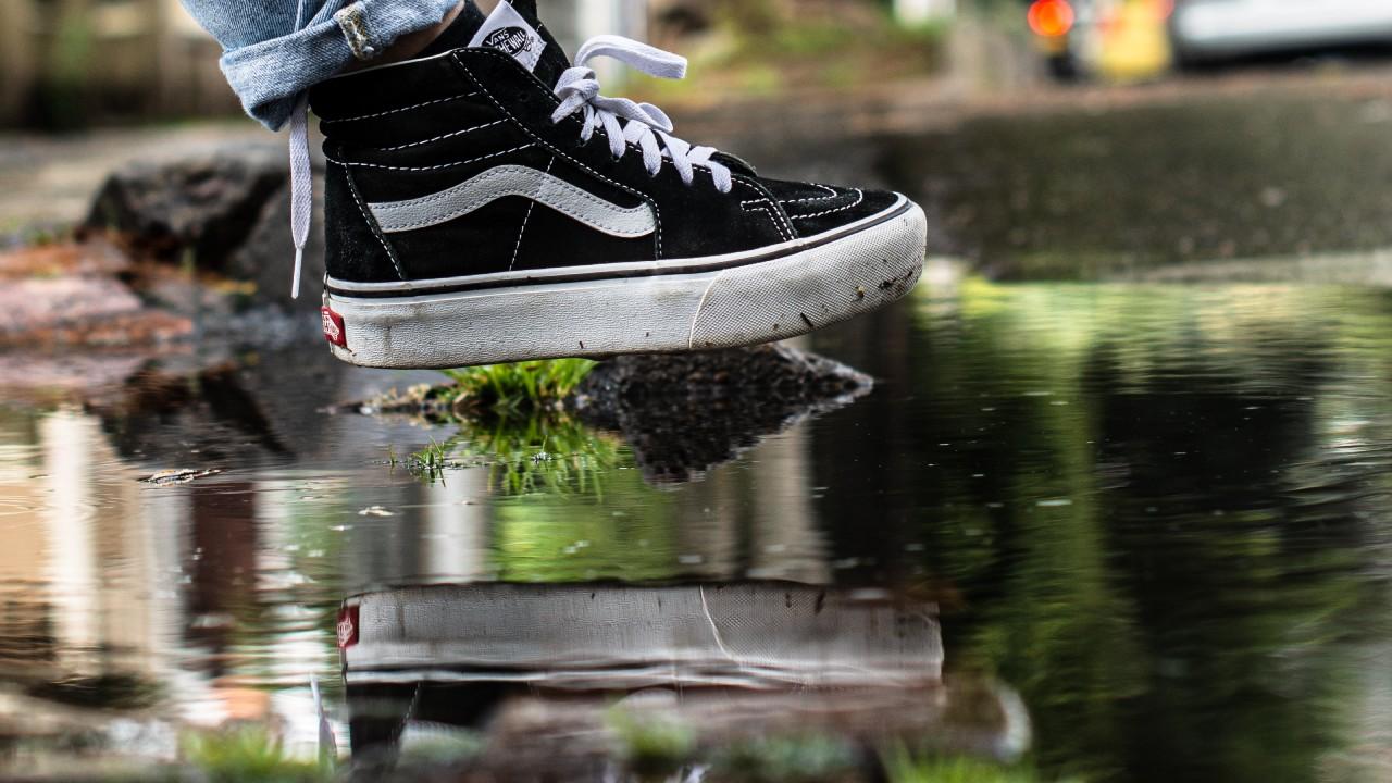 普段洗えない革靴も綺麗に!除菌率も99%役立ちガジェット!のTOP画