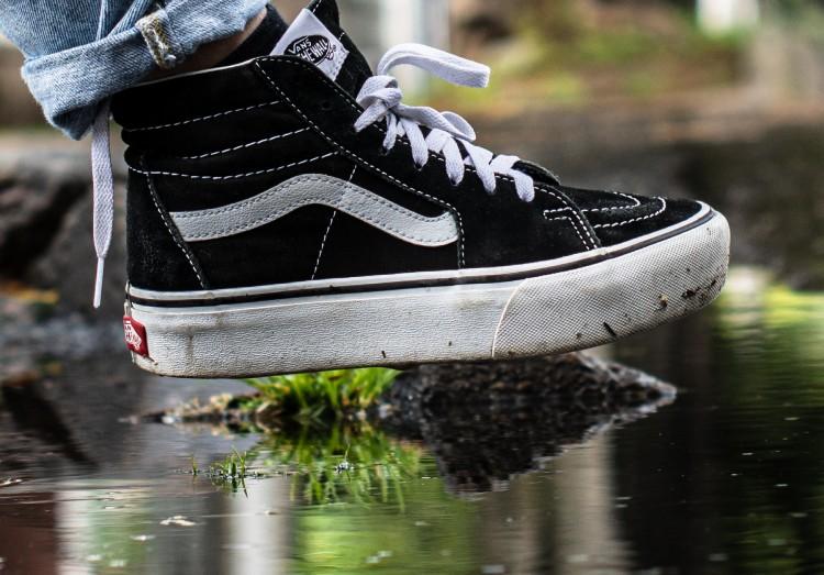 普段洗えない革<a href='/topics/keyword/靴/160530001193/'>靴</a>も靴乾燥機でキレイに!除菌率99%役立ちガジェットの紹介も!のアイキャッチ