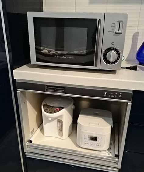 家電の放熱スペースを開けて設置