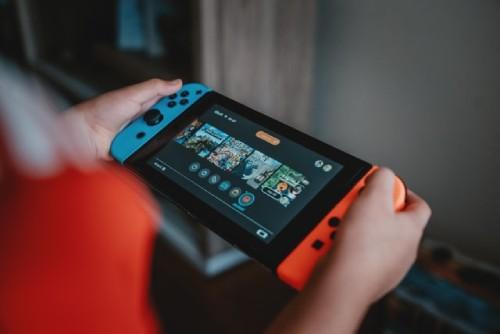 携帯モード:Nintendo Switch(ニンテンドースイッチ)は携帯機としても遊べる!