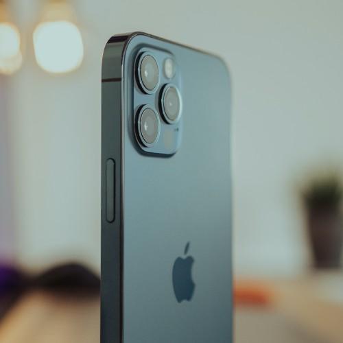 iPhone12proのボディ
