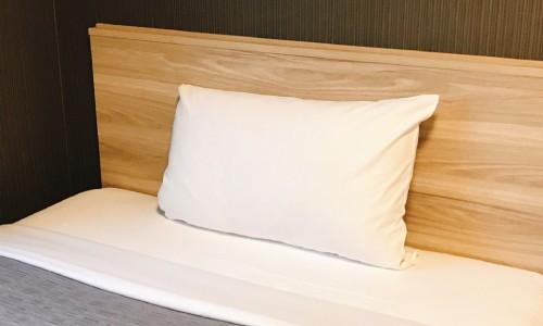 高さの大きい枕を使っている