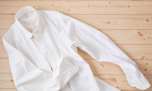 白いワイシャツの画像