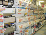エアコン大量展示中、お部屋の大きさ・用途に合わせてぴったりな一台をお選びいたします。